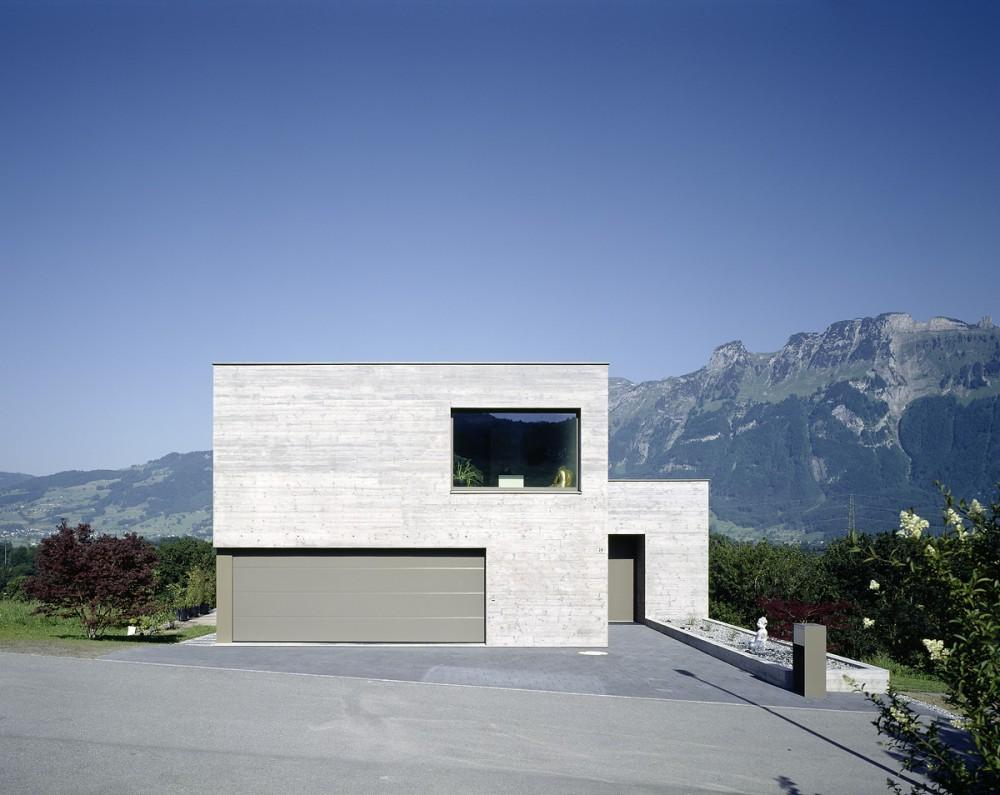 Neubau Einfamilienhaus in Sichtbeton, Gamprin 2013